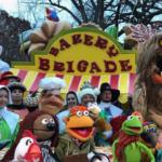 マペッツがオープニングを飾った2016 メイシーズ・サンクスギビング・デー・パレード